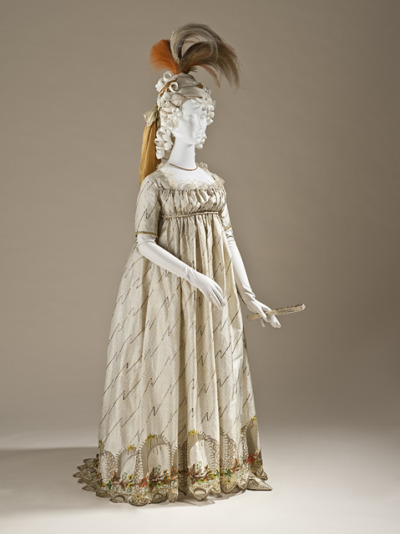 omgthatdress:  Evenign dress ca. 1784-1790 via The Los Angeles County Museum of Art  Would it be absolutely ridiculous if I wore my hair like that?