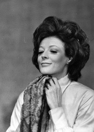 Let's all aspire to be like Maggie Smith, guys. She knows how amazing she is and so should we.