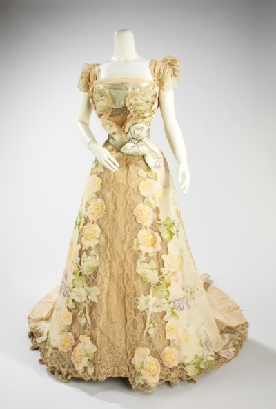 Worth evening dress, 1902