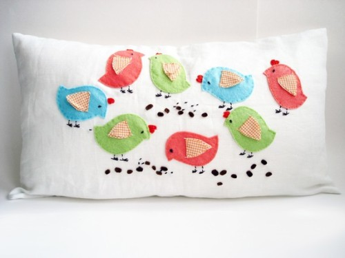 whitejanuary:  konfetti:  Birds Pillow cover by sukanart on Etsy   Love this pillow. Adorable! X