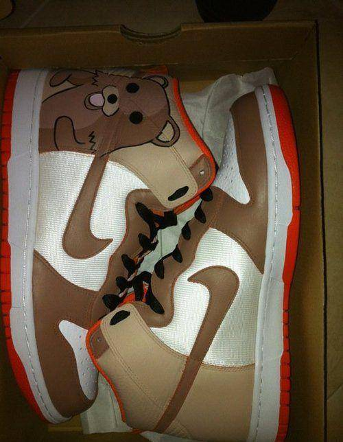 Pedobear Nike's: OMG WANT SO BAD!!!