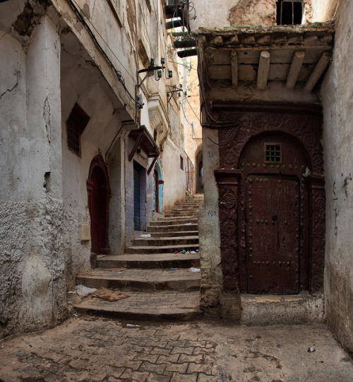 The Casbah, Algiers, Algeria (by Gaston Batistini)