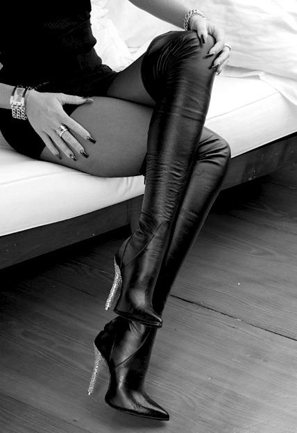 Lijepe noge Tumblr_lg1di8E6e91qd3a89o1_500