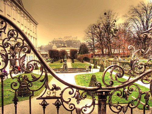 sunsurfer:  Mirabelle Gardens, Salzburg, Austria  photo via turnonthesunshine