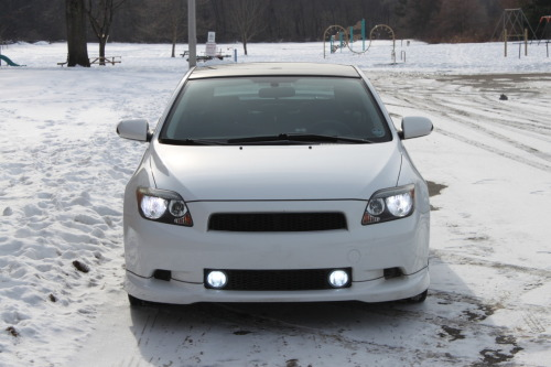 White on white Starring: '06 Scion tC (By Candlejack)