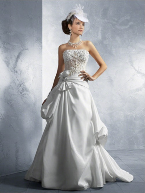 delicacyoflife: Beautiful dress by Alfred Angelo Thanks for the submission :)