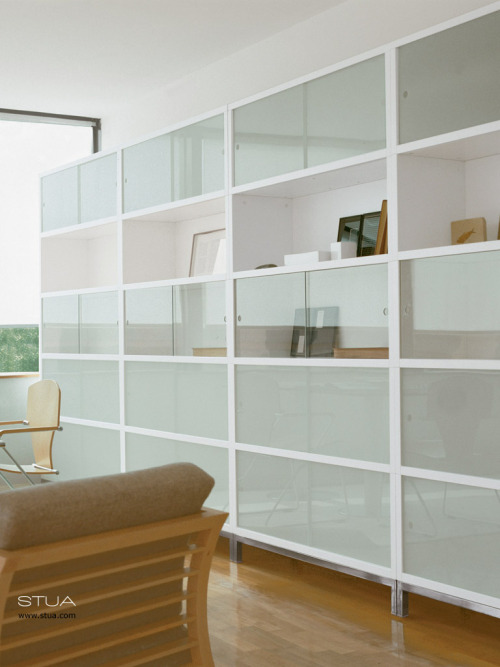 Sapporo storage system from STUA, a white stacking system designed by Jesus Gasca.STUA Design Etc