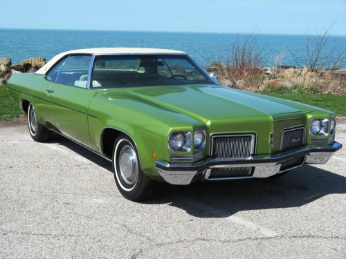 1972 Oldsmobile Delta Eighty-Eight Coupe.