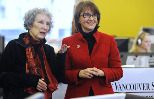 Photos: Margaret Atwood tours The Vancouver Sun newsroom Canadian literary (and Twitter) icon was in Vancouver for a Writers Trust event on Thursday. We invited her, via Twitter, for a tour of our Digital First newsroom, and she came in to have a look around with our editor-in-chief, Patricia Graham.