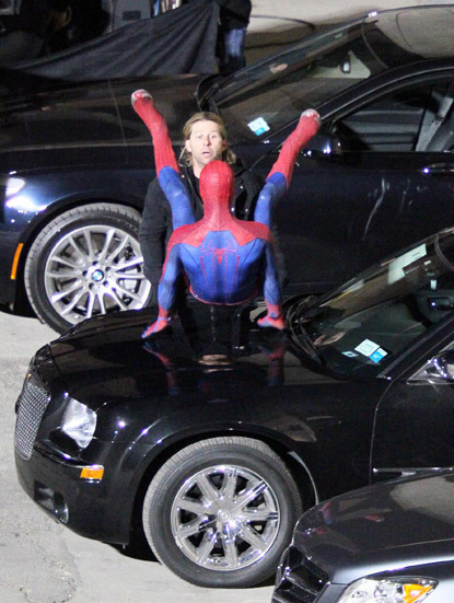 Best Spiderman Set Photo Ever | Radar Online via Buzzfeed I haven't been posting too many Spiderman set photos cause after the first few they've all kind of been the same and not that revealing, but this one is here for obvious reasons.