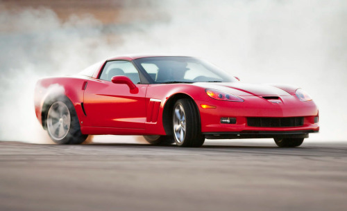 With the traction control completely defeated, America's sports car goes from a savvy track machine to a full-fledged drifter.