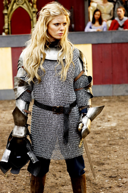 Emilia Fox as Morgause in Merlin.