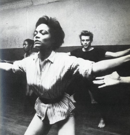 vintageblackglamour:  Eartha Kitt teaching a dance class. Yes, that is James Dean in the background.  God knows i love me some eartha kitt.