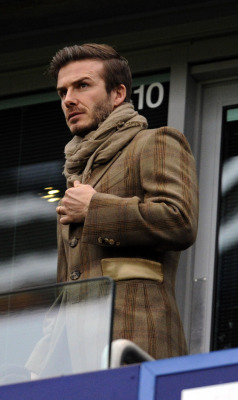 amistosa:  Becks in a highly suspect outfit at Liverpool vs. Chelsea, 6 Feb. 2011.