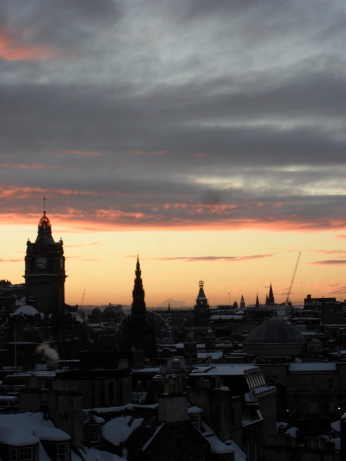 jesswhit:  View over Edinburgh 12/2010 from Calton Hill.
