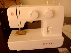 I got a sewing machine!… now to figure out how to use it…