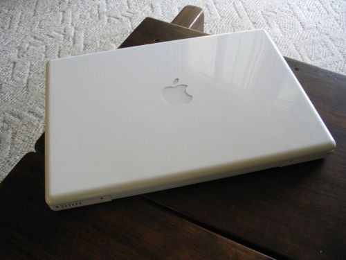 suckmylumpia:  Hey guys I'm giving away my macbook here. It works and still in good condition. The reason why I'm giving it away is cause my nana just bought me a new macbook pro and so I thought I'd be nice for once and give this away. Yes it comes with the box and everything it came with. Info on the macbook: 2.4GHz Intel Core 2 Duo: 250GB 2GB DDR3 memory All you need to is reblog this picture must be following me I'll pay for postage and packaging so don't worry. So I'll pick one lucky winner on Valentine's day which is February 14, 2011. Good Luck.