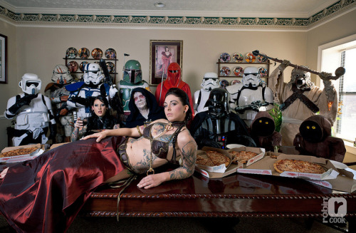 Star Wars Last Supper Click the image to see LOTS more Star Wars cosplay photos.