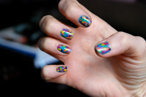 The Monet-inspired nails that inspired the previously posted Monet-inspired nails.  Via