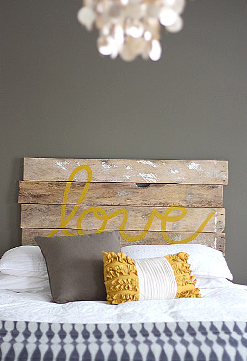 DYING!!!! micasaessucasa:  diy: 'love' headboard | the style files