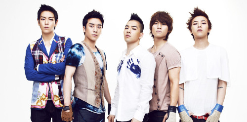 "fuckyeahygfamilyy:  [CONFIRMED!] BIG BANG & I ARE BREATHING THE SAME AIR ATM!!!! Big Bang's album is scheduled to drop in a couple of weeks, but the group is already kicking into high gear for their comeback.   They're currently in the United States, and plan to stay a week to film their MV, after which they'll be returning to Korea to perform at Seoul Olympic Park Stadium  from February 25th to 27th. The total cost of the MV wasn't given, but  sources say that it'll cost the company a hefty sum of money. Why is the MV being filmed in the United States? The group apparently wants a ""foreign influence"" to their video. Source: Sports Hankook via Daum ——-VIPZ in the US…send me pictures ^^  What are the chances of them flying out in a little more than a week? From San Fran? Say like next Friday? So we can be on the same plane? :D …wishful thinking…"