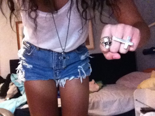 kidoftomorrow:  got my runwaydremz shorts yayyy!   m e hahaha
