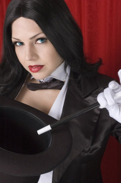 angelophile:  Zatanna Cosplay by Miracole Burns. Photo by Nice Shot Ted. (Source)