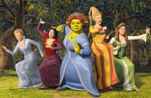 riick-paglioni:  Professora: Qual personagem de conto de fadas vocês querem ser? Aluna1: A Branca de Neve. Professora: Por que? Aluna1: Ela é linda, e tem um príncipe que à ama, com cavalos, castelos, e ela tem um final feliz. Professora: E você? Aluna2: Eu quero ser a Rapunzel. Porque ela é linda, e tem um principe que lutou por ela. E ela mora em um castelo gigante, o mais bonito de todos! Professora: E você Lizzie, o qual você quer ser? Lizzie:Eu quero ser a princesa Fiona, do Shrek. Professora: Mas por que? Você não quer ser a Cinderela, ou outra mais bonita? Lizzie:Não. A Fiona é a mais bonita. Ela se aceita como ela é, diferente de todos como eu, pra viver com quem ela realmente ama e que também ama ela de verdade. Ela tem um burro que fala, isso não é mais legal do que cavalos? Veja só, ela é feliz e não precisa de castelos nem de um homem bonito por fora. Eu queria um Shrek pra mim. Queria que alguém me aceitasse por quem eu sou. E ele me ensinou que eu não preciso ser perfeita pra ter um final feliz!
