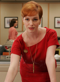 Joan Holloway/Harris (Christina Hendricks)