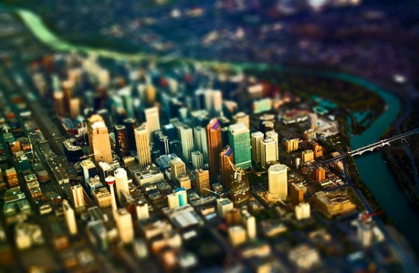 calgaryherald:  We love tilt-shift. Look how teeny Calgary looks! (Calgary from the air. Creative Commons photo by Flickr user Oli-Oviyan.)
