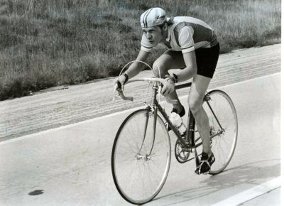 ridesabike:  Dennis Christopher rides a bike. Fast.