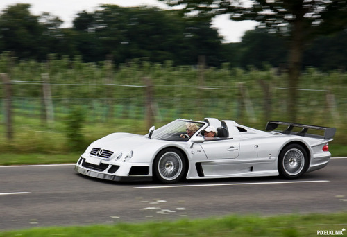 carpr0n:  Snow plow Starring: Mercedes CLK GTR AMG Roadster (by Christian)