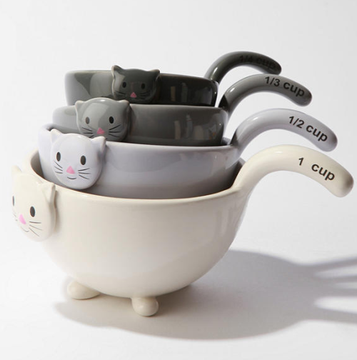 dailydesignbits:  Cute kitty measuring cups! :) My co-workers @redlist and @meagseves need these!