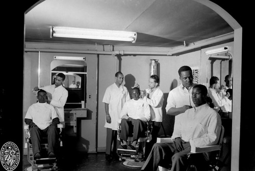Barber Shop, Baltimore, Maryland1949Paul S. Henderson (1899—1988)4x5 inch black and white negativeHenderson Collection, Maryland Historical SocietyHEN.00.B1-109 Possibly Lexington Barber Shop.