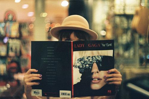 Quando palavras não saem, as lágrimas falam por você. Lady Gaga