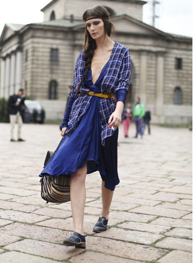 Valerija Kelava not only i love her nicely-styled outfit, but with the side braid and bold makeup i admired her bohemian look as well!