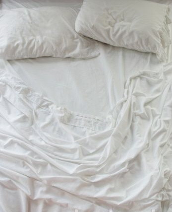 california-sunlight:  white sheets please