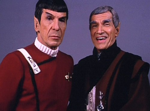 Sarek is so happy in this picture… :)