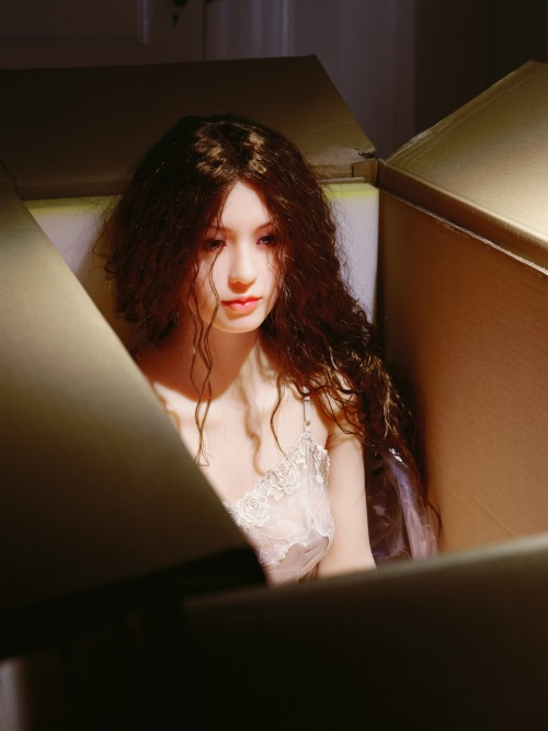 Laurie Simmons, from The Love Doll series @ Salon 94, NYC (via artnewsmag)