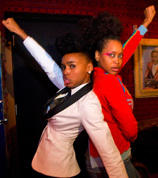 touchofpoetry:  balbert3:  Monae and Badu  AWESOME