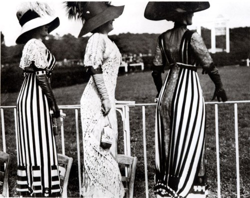 Racing Day at the Auteuil Races 1911 Paris.  Photo by Jacques-Henri Lartigue