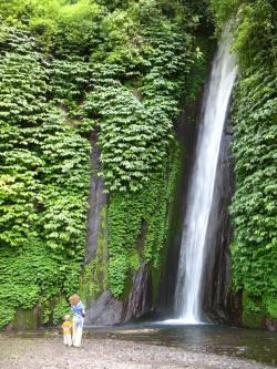 Melanting Waterfall, Munduk, Bedugul | Bali - Indonesia By: Vincent Boisvert