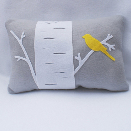randomstuffiwanttomake:  Bird pillow
