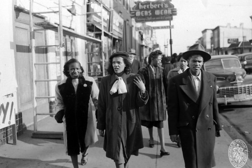 Untitled [Street scene, Pennsylvania Avenue]Baltimore, MarylandMarch 1948Paul S. Henderson (1899-1988)Henderson CollectionMaryland Historical SocietyHEN.00.B1-113