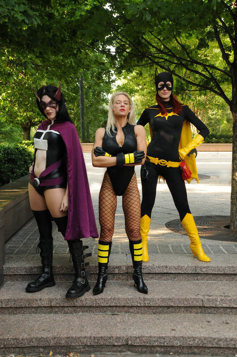 angelophile:  Birds of Prey Cosplay by Ms.Mars and Amaya DeMorte (Source)  I love Canary!!!