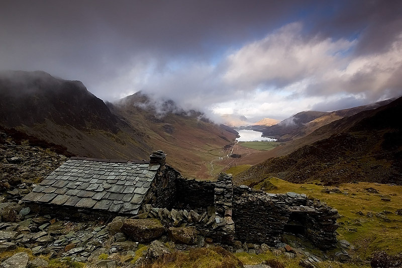 lori-rocks: the bothy  by steve boote