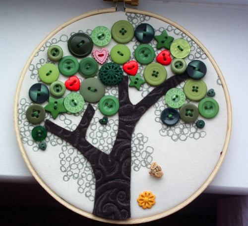 Button tree bandwagon - NEEDLEWORK