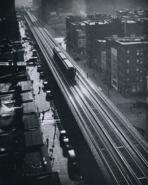 liquidnight:  Andreas Feininger Ninth Avenue el, circa 1940s From New York in the Forties