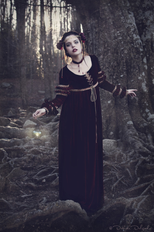 costureroreal:  First Snow White photo, by Desiree Delgado :)