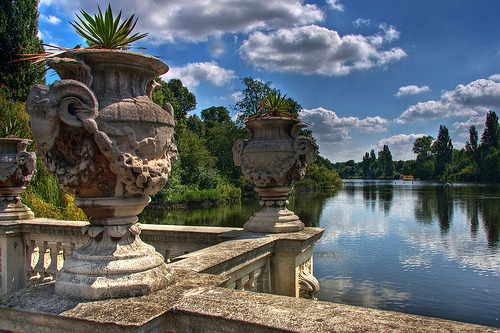 sweetsurrender68:  A view of Serpentine Lake in London's Hyde Park Photo: joebelle